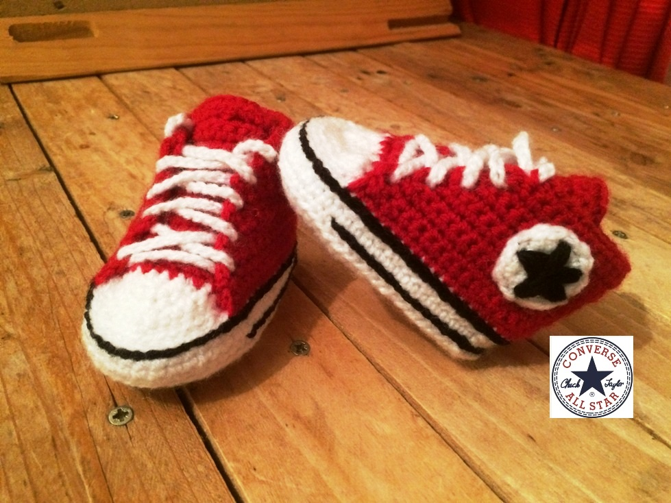 tuto crochet chaussures converse b b la fabrique diy. Black Bedroom Furniture Sets. Home Design Ideas