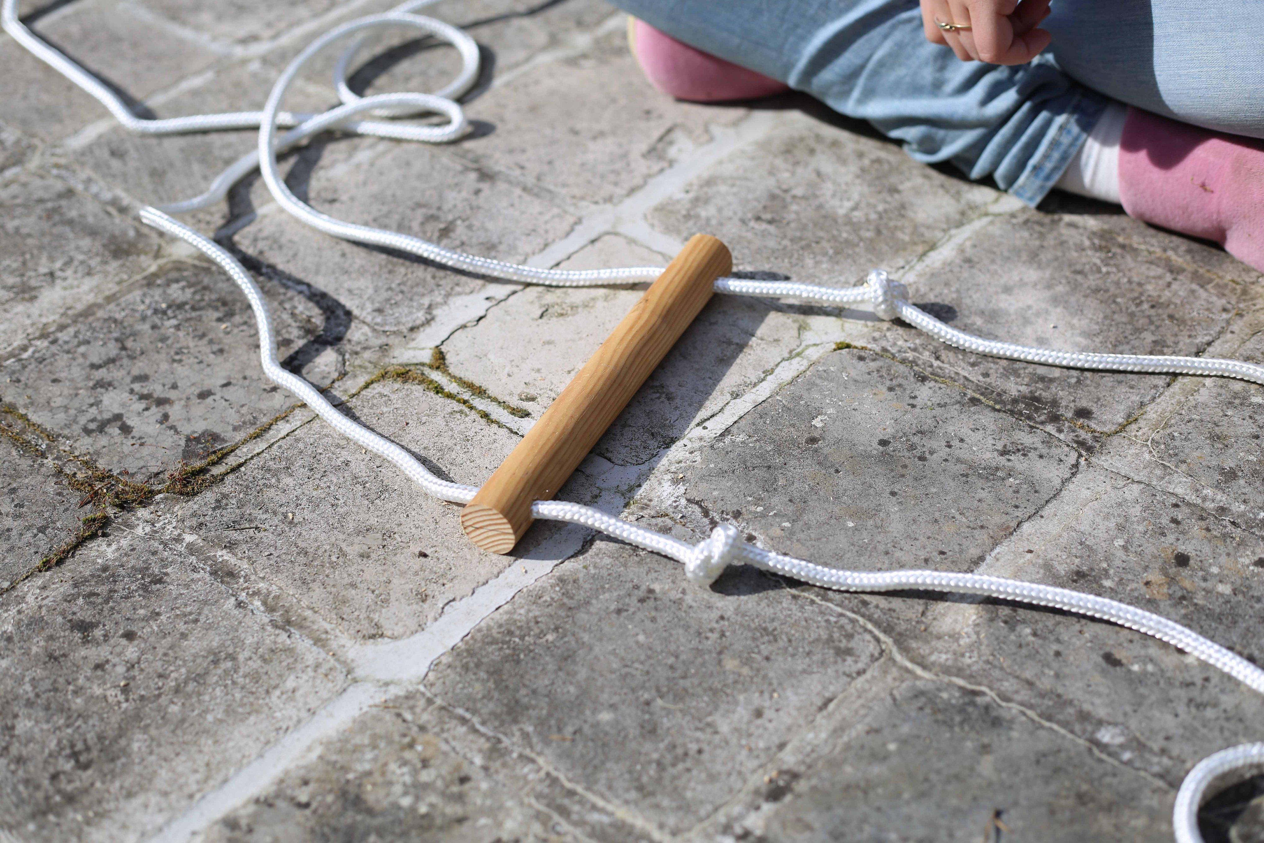 Fabriquer une chelle de corde la fabrique diy - Fabriquer une echelle en bois ...