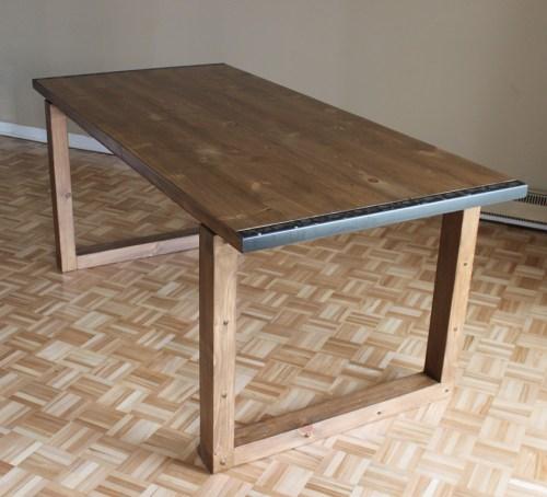 Une table manger la fabrique diy for Fabriquer une table a manger